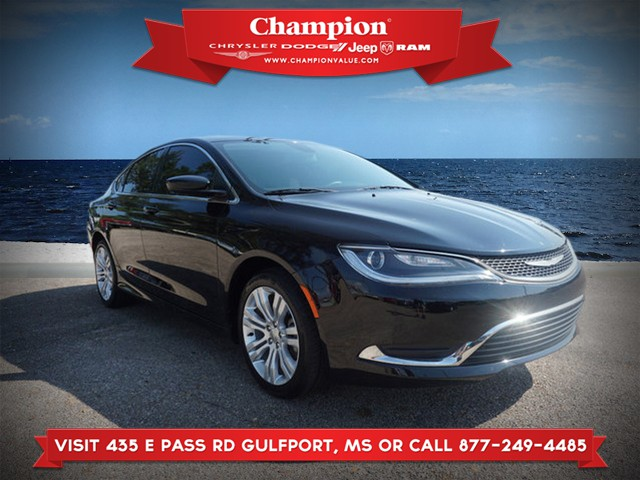 Pre-Owned 2015 Chrysler 200 Limited FWD