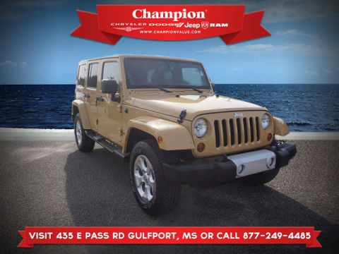 Pre-Owned 2013 Jeep Wrangler Unlimited Unlimited Sahara 4WD