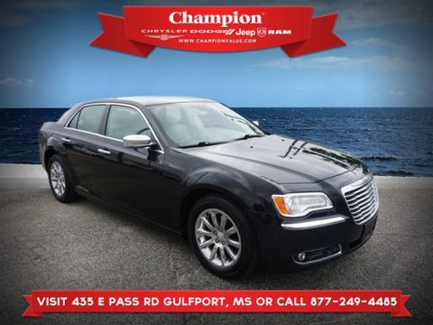 Pre-Owned 2011 Chrysler 300 Limited RWD