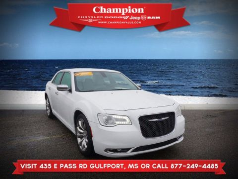 Certified Pre-Owned 2018 Chrysler 300 Limited RWD